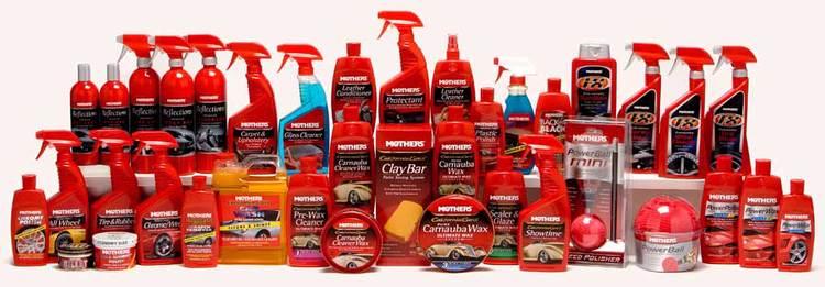 مارک آمریکایی مادرز با بهره مندی از تنوع بسیار گسترده در زمینه ی محصولات مراقبتی خودرو، که شامل شامپو های شستوشو، انواع تجهیزات نظافتی، پولیش، واکس ها و دیگر محصولات می شود از جمله شناخته شده ترین مارک ها در عرصه ی دیتیلینگ در جهان امروز است